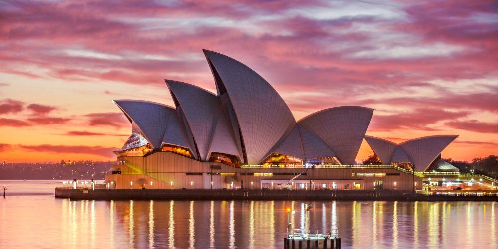 Australia zwiedzanie wśród kangurów i koali.